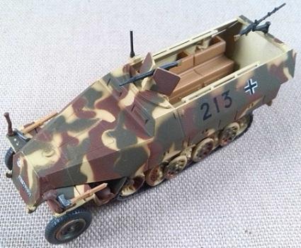 Sd.Kfz.251/1 Ausf. D, 12.SS.Pz.Div., Calais (Francia), 1944, escala 1/72