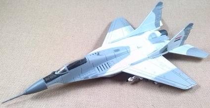 MiG-29A, Fuerza Aérea iraquí, escala 1/100, Italeri