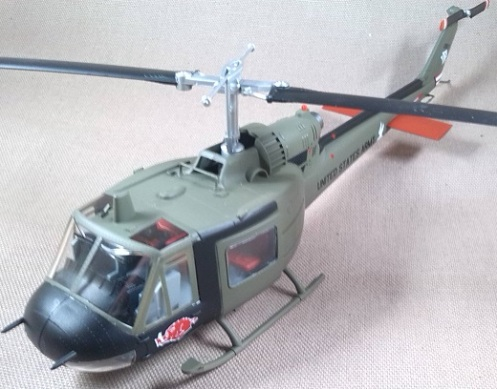UH-1C, US Army, 120th AHC, Vietnam, 1969, escala 1/48, Easy Model