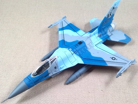 F-16C Block 30, USAF, 354th FW, Alaska, escala 1/100, Italeri