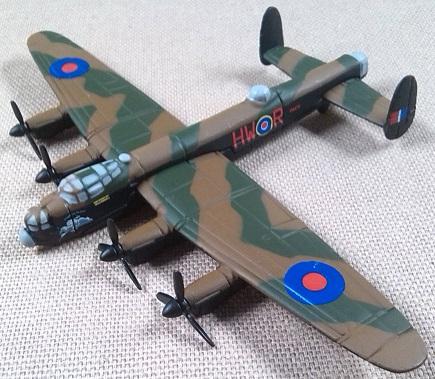 Avro Lancaster, RAF, escala 1/250, Corgi