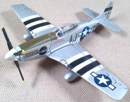 P-51D, escala 1/100, Italeri