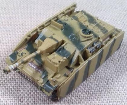 StuG IV, escala 1/144, 21st Century Toys