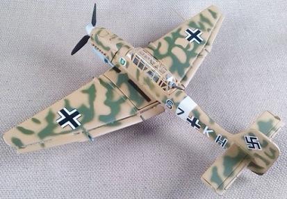 Ju.87B, escala 1/100, Italeri