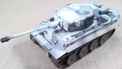 Pz.Kpfw.VI Tiger con camuflaje invernal, escala 1/72, Dragon Armor