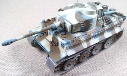 Pz.Kpfw.VI Tiger Ausf. E, 3.SSPzGrenDiv, Jarkov (URSS), 1943, escala 1/72, IXO-Altaya