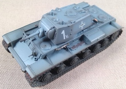 KV-I capturado por la Wehrmacht, 8.Pz.Div., 1941, escala 1/72, Easy Model