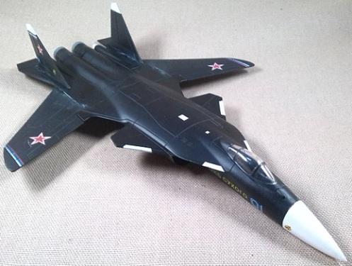 prototipo Su-47, Fuerza Aérea soviética, 1/100, Italeri