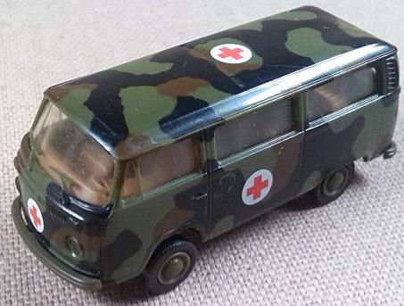 VW van type 2 (T2), ambulancia militar de la RFA, 1/87, Roco