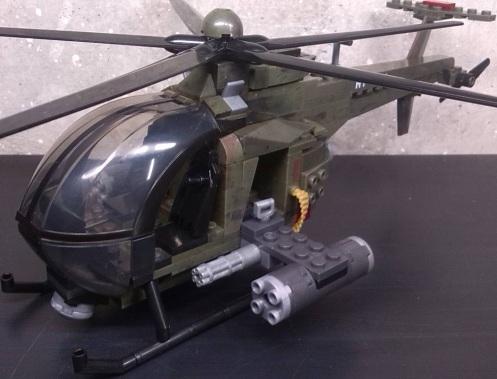 "Helicóptero ligero de ataque del set ""Chopper Strike"""