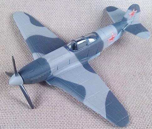 Yak-3 a escala 1/100, DeAgostini